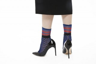 GLITTER LAYERED FISHNET SOCKS<br>BLUE×RED<img class='new_mark_img2' src='https://img.shop-pro.jp/img/new/icons20.gif' style='border:none;display:inline;margin:0px;padding:0px;width:auto;' />の商品画像
