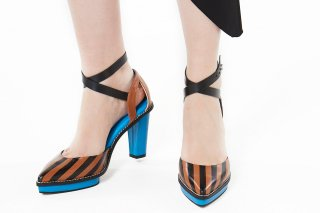 【FLEI】STRIPED SANDAL<br>CAMELの商品画像