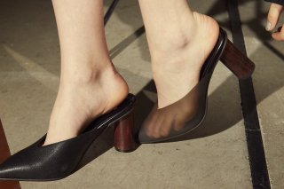 <b><font color='red'>NEW</font></b><br>【FLEI】ASYMMETRIC PVC MULE<br>BLACKの商品画像