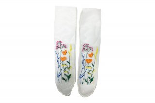 <b><font color='red'>NEW</font></b><br>FLOWER EMBROIDERY SHEER SOCKS<br>BEIGEの商品画像
