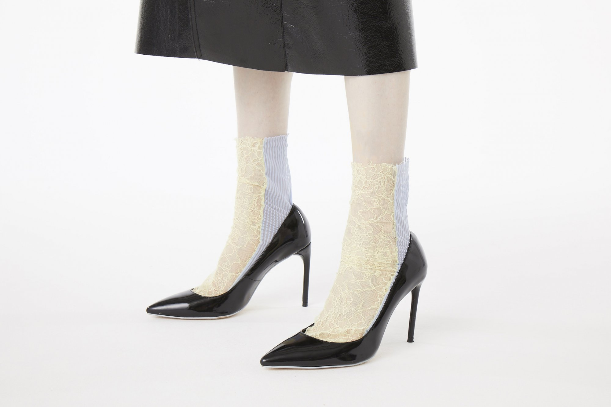 <b><font color='red'>RESTOCK</font></b><br>STRIPE×LACE SHEER SOCKS<br>YELLOW×BLUE
