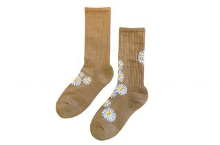 <img class='new_mark_img1' src='https://img.shop-pro.jp/img/new/icons5.gif' style='border:none;display:inline;margin:0px;padding:0px;width:auto;' />DAISY SPORTS SOCKS<br>CAMELの商品画像