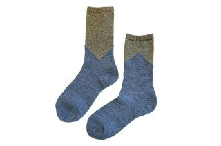 <img class='new_mark_img1' src='https://img.shop-pro.jp/img/new/icons5.gif' style='border:none;display:inline;margin:0px;padding:0px;width:auto;' />GLITTER COLOR BLOCK SOCKS<br>GOLD×GRAYの商品画像