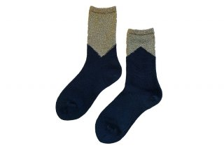 <img class='new_mark_img1' src='https://img.shop-pro.jp/img/new/icons5.gif' style='border:none;display:inline;margin:0px;padding:0px;width:auto;' />GLITTER COLOR BLOCK SOCKS<br>GOLD×BLACKの商品画像