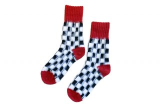 <img class='new_mark_img1' src='https://img.shop-pro.jp/img/new/icons5.gif' style='border:none;display:inline;margin:0px;padding:0px;width:auto;' />UNISEX/CHECKER FLAG SOCKS<br>REDの商品画像