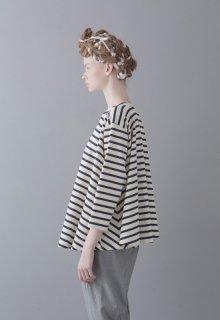 classical border pullover