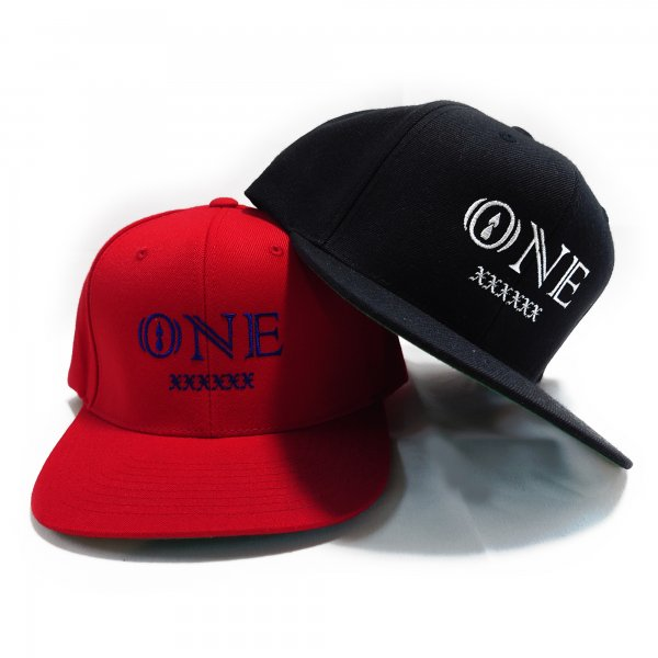 ONE SNAPBACK CAP<img class='new_mark_img2' src='https://img.shop-pro.jp/img/new/icons15.gif' style='border:none;display:inline;margin:0px;padding:0px;width:auto;' />