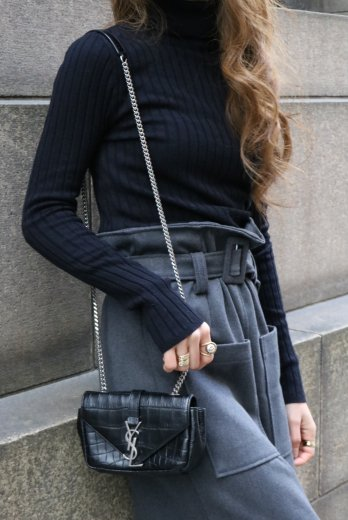<img class='new_mark_img1' src='https://img.shop-pro.jp/img/new/icons57.gif' style='border:none;display:inline;margin:0px;padding:0px;width:auto;' />turtle neck rib knit tops / black