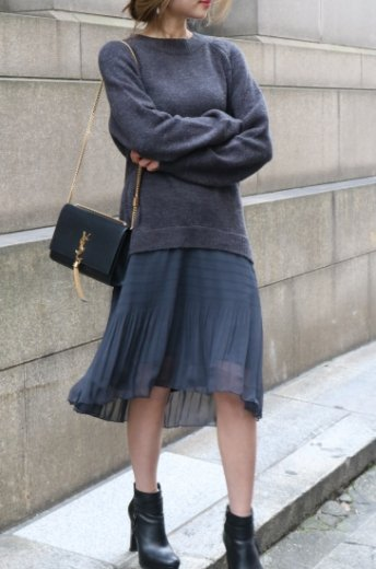 flare skirt docking  crew neck knit dress / gray
