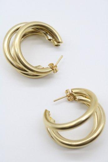 gold triplicate hoops pierced earrings