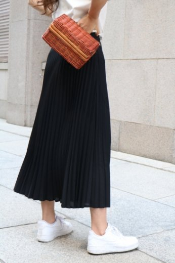 <img class='new_mark_img1' src='https://img.shop-pro.jp/img/new/icons20.gif' style='border:none;display:inline;margin:0px;padding:0px;width:auto;' />waist gather pleats skirt / black