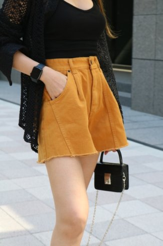 side line cut off denim short pants / mustard