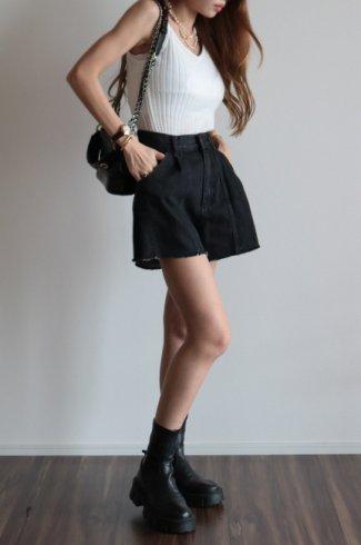 high waist cut off denim short pants / black