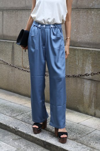 <img class='new_mark_img1' src='https://img.shop-pro.jp/img/new/icons57.gif' style='border:none;display:inline;margin:0px;padding:0px;width:auto;' />waist adjustable satin wide pants / blue