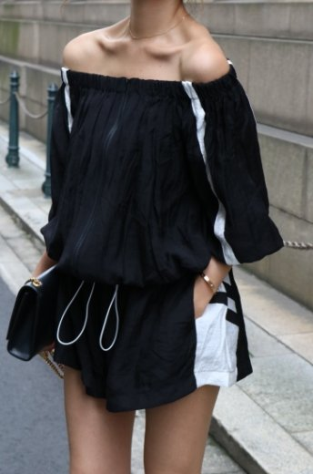 <img class='new_mark_img1' src='https://img.shop-pro.jp/img/new/icons20.gif' style='border:none;display:inline;margin:0px;padding:0px;width:auto;' />2way offshoulder blouson & wide short pants set up / black