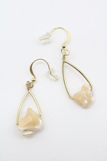 swing stone pierced earrings