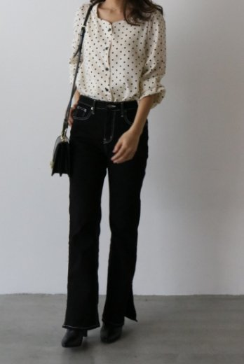 heart cut neck color dot pattern blouse / ivory