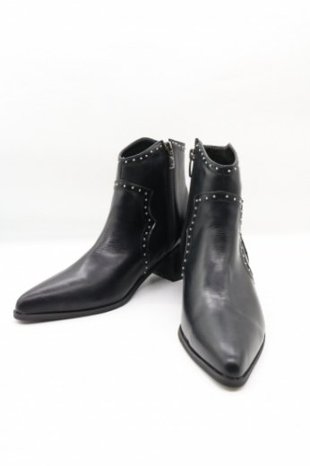 silver studs western boots / black