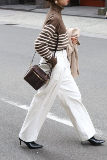 <img class='new_mark_img1' src='https://img.shop-pro.jp/img/new/icons57.gif' style='border:none;display:inline;margin:0px;padding:0px;width:auto;' />corduroy tuck wide pants / white