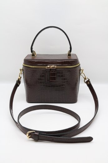 <img class='new_mark_img1' src='https://img.shop-pro.jp/img/new/icons57.gif' style='border:none;display:inline;margin:0px;padding:0px;width:auto;' />2way croco embossing synthetic leather vanity bag / dark brown