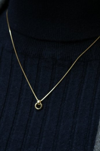 <img class='new_mark_img1' src='https://img.shop-pro.jp/img/new/icons57.gif' style='border:none;display:inline;margin:0px;padding:0px;width:auto;' />swing cross rings elegance chain necklace