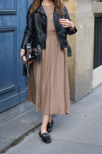 round neck waist ribbon wrap design flare dress / brown