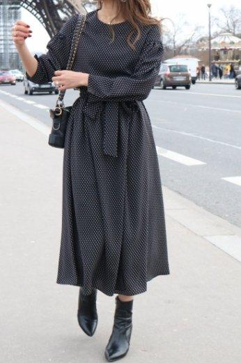 round neck waist ribbon wrap design flare dress / dot