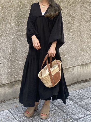 <img class='new_mark_img1' src='https://img.shop-pro.jp/img/new/icons20.gif' style='border:none;display:inline;margin:0px;padding:0px;width:auto;' />balloon sleeves tiered negligee long dress (petticoat set) / black