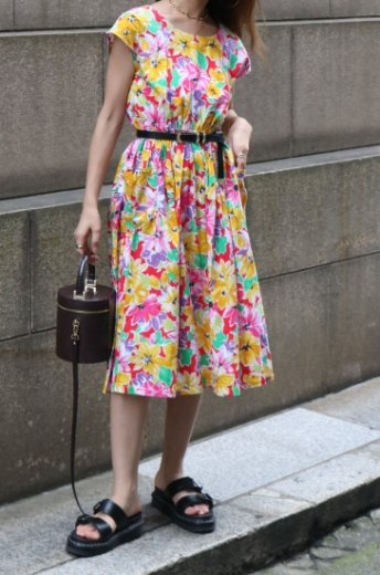 【vintage】french sleeves back button floral flare dress