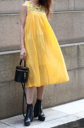 【vintage】round neck embroidery floral sleeveless dress (petti coat set)