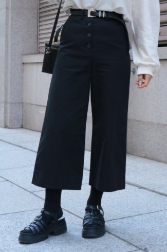 waist adjustment button wide cotton pants / black