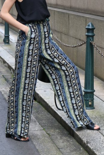 paisley satin easy pants / black