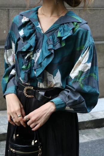 【vintage】KENZO / Italian collar front frill floral blouse