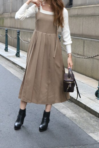 <img class='new_mark_img1' src='https://img.shop-pro.jp/img/new/icons57.gif' style='border:none;display:inline;margin:0px;padding:0px;width:auto;' />back shirring switch pleats jumper skirt
