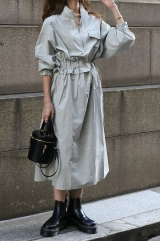 <img class='new_mark_img1' src='https://img.shop-pro.jp/img/new/icons20.gif' style='border:none;display:inline;margin:0px;padding:0px;width:auto;' />high neck zip up asymmetry dress / mint gray