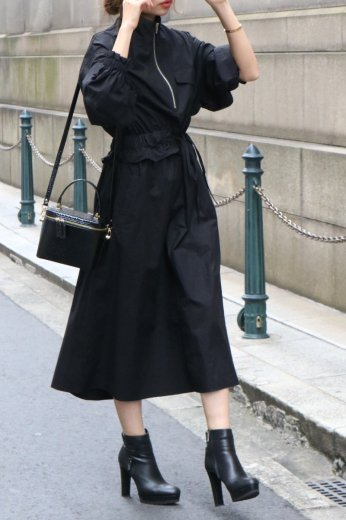 high neck zip up asymmetry dress / black