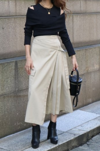side pleats asymmetry wrap skirt / beige