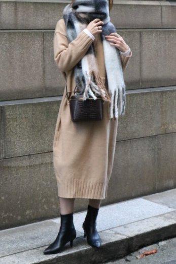 turtle neck waist tiered design wool knit pull over dress / beige