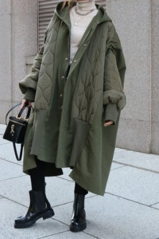 <img class='new_mark_img1' src='https://img.shop-pro.jp/img/new/icons57.gif' style='border:none;display:inline;margin:0px;padding:0px;width:auto;' />balloon sleeves quilting docking over coat / khaki