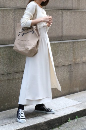 <img class='new_mark_img1' src='https://img.shop-pro.jp/img/new/icons57.gif' style='border:none;display:inline;margin:0px;padding:0px;width:auto;' />high waist front open layered flare skirt / off white