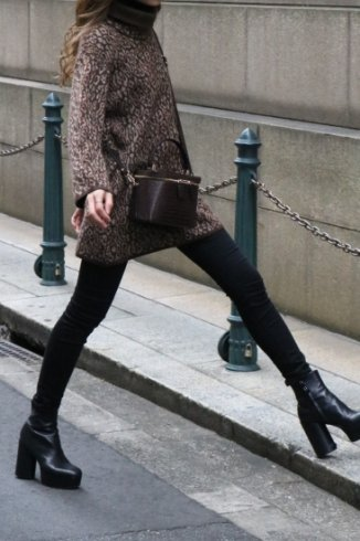 <img class='new_mark_img1' src='https://img.shop-pro.jp/img/new/icons14.gif' style='border:none;display:inline;margin:0px;padding:0px;width:auto;' />【vintage】KENZO / turtle neck leopard knit tops