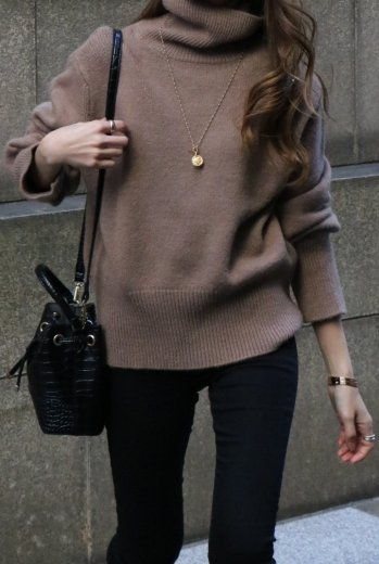 turtle neck compact knit tops / brown