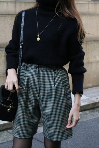 <img class='new_mark_img1' src='https://img.shop-pro.jp/img/new/icons14.gif' style='border:none;display:inline;margin:0px;padding:0px;width:auto;' />turtle neck compact knit tops / black