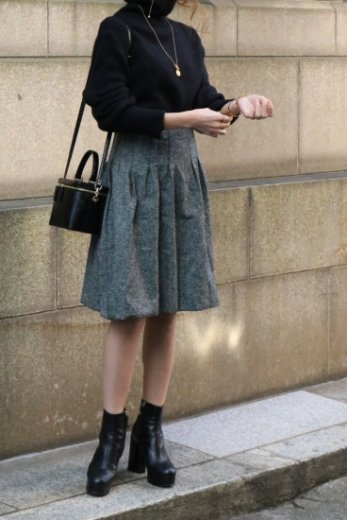 <img class='new_mark_img1' src='https://img.shop-pro.jp/img/new/icons14.gif' style='border:none;display:inline;margin:0px;padding:0px;width:auto;' />【vintage】CELINE / high waist balloon skirt