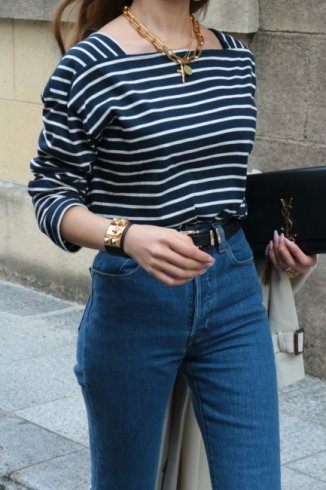 <img class='new_mark_img1' src='https://img.shop-pro.jp/img/new/icons14.gif' style='border:none;display:inline;margin:0px;padding:0px;width:auto;' />bicolor square neck stripe tops / navy×white