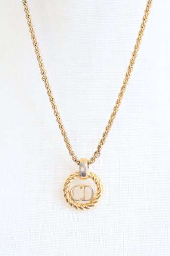 <img class='new_mark_img1' src='https://img.shop-pro.jp/img/new/icons14.gif' style='border:none;display:inline;margin:0px;padding:0px;width:auto;' />【vintage】Christian Dior / CD logo rope motif chain necklace