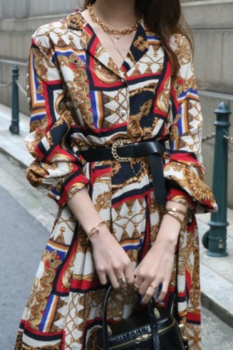 <img class='new_mark_img1' src='https://img.shop-pro.jp/img/new/icons14.gif' style='border:none;display:inline;margin:0px;padding:0px;width:auto;' />【vintage】open color scarf motif patterned flare dress