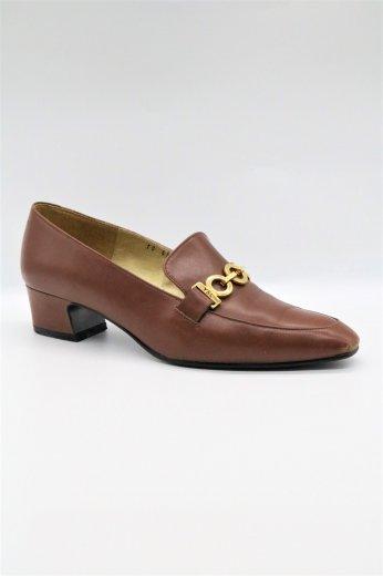 "【vintage】Yves Saint Laurent / almond toe ""YSL"" engraved chain loafer pumps 35 1/2"