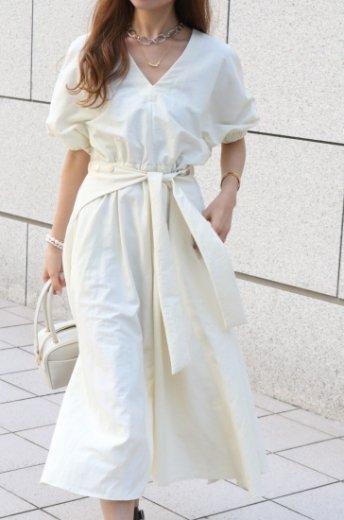 V neck dolman sleeve side ribbon nylon flare dress / ivory