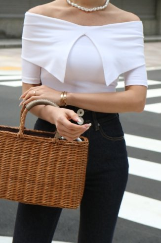 2way quaker collar off shoulder compact tops / white
